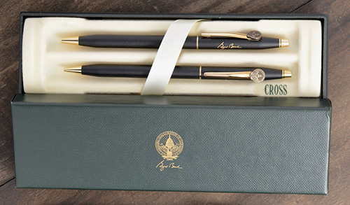 Cross Classic Century Matte Black Set Of Ball Pen & Mechanical Pencil -  Engraved With Facsimile Signature Of George W. Bush & Medallion Of Presidential Seal Affixed To Clip